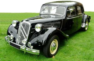 800px-Citroen_Traction_avant